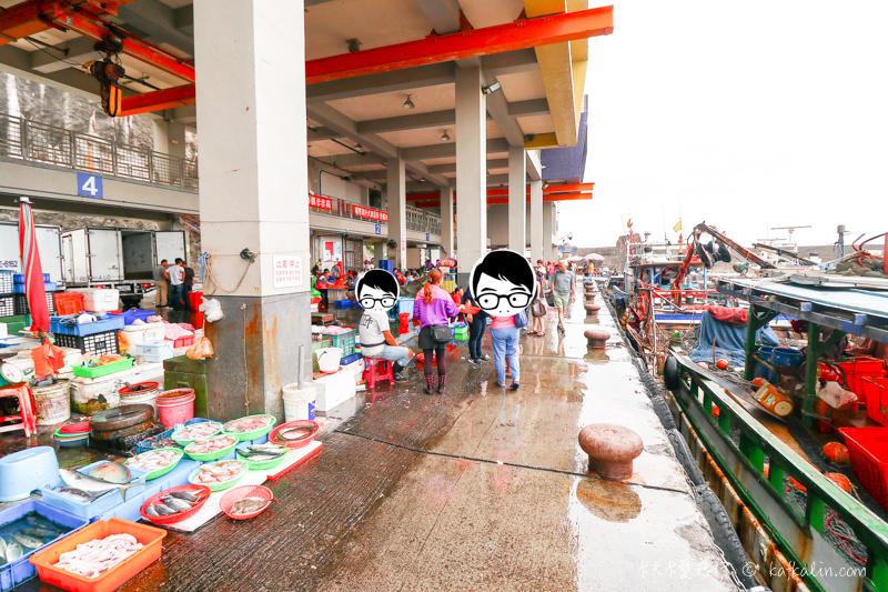 【宜蘭頭城美食】大溪21號海鮮燒烤|大溪漁港觀光魚貨直銷中心賣場海濱新景點 - kafkalin.com
