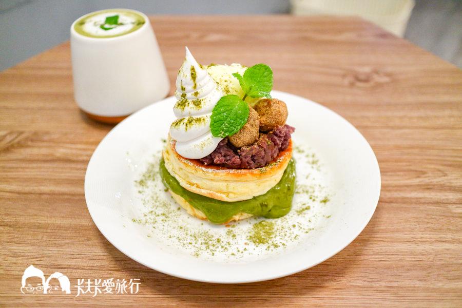 【宜蘭美食】JuJu Land Cafe篤行二村日式厚燒鬆餅|必點家傳獅子頭鬆餅和抹茶紅豆下午茶甜點咖啡