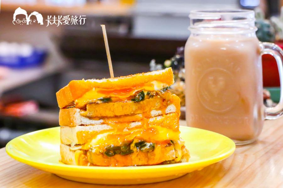 【花蓮早午餐】慢吞吞手作碳烤吐司 爆漿起司瀑布!酥脆吐司搭爽口剝皮辣椒