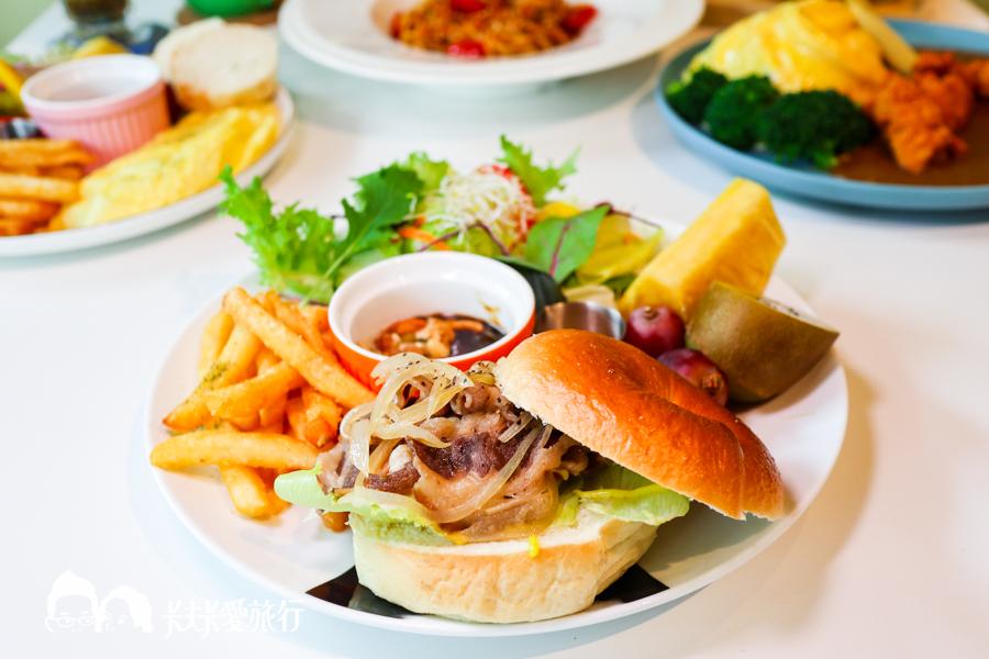 【宜蘭寵物友善餐廳】樂多廚房|和毛小孩一起吃早午餐泡溫泉!享受下午茶時光