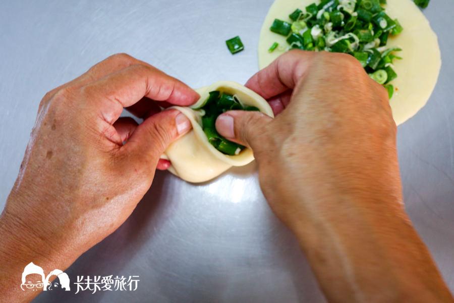 【宜蘭三星美食】蔥老爹手工蔥油餅|三星蔥超多超過癮!爆漿蔥油餅遊三星必吃 - kafkalin.com