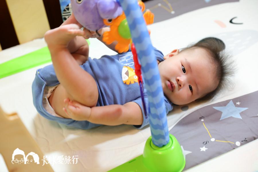 嬰兒床變成床邊床評價超方便.jpg