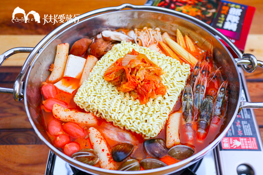【吃貨開箱】桂冠韓式部隊鍋|香辣過癮煮這鍋最暖心!露營野餐必備聚餐好物