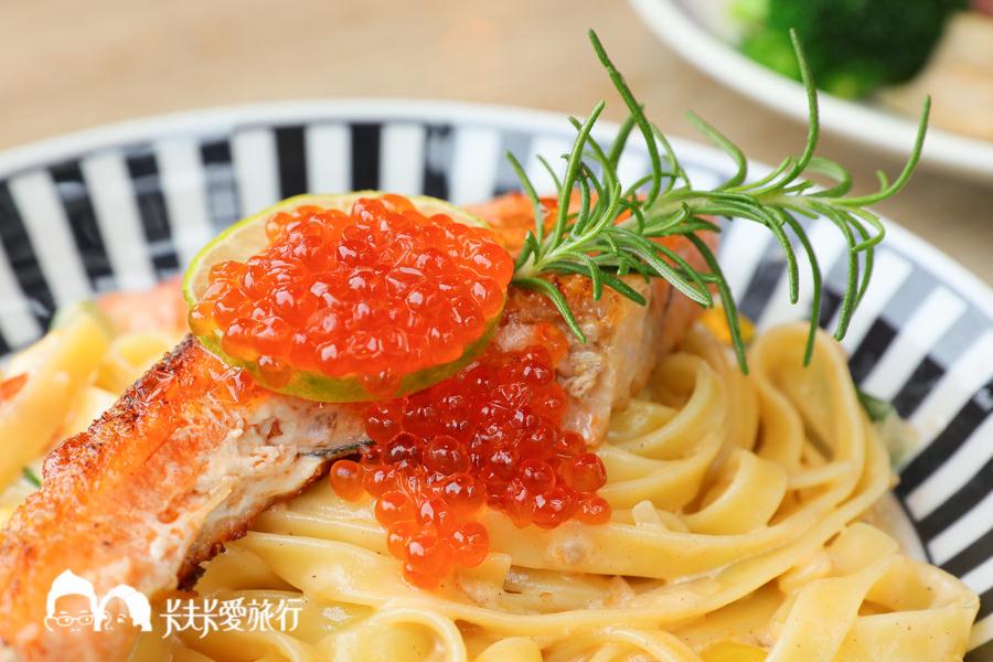 宜蘭簡餐|蘭波LanPO|爆漿鮭魚卵義大利麵肋排咖哩飯!親子餐廳及寵物友善 - kafkalin.com