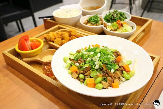 【宜蘭羅東】哈福Hot food cafe&meals|在地食材早午餐下午茶午晚餐選用葛瑪蘭黑豚包場聚會