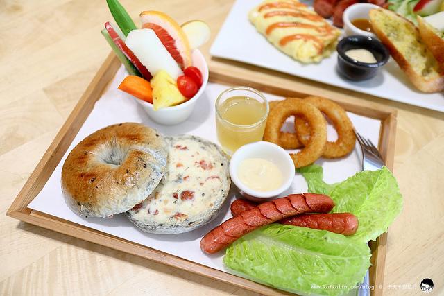 【宜蘭早午餐】日初食氛|手作貝果法式長棍地瓜吐司給家人吃的麵包