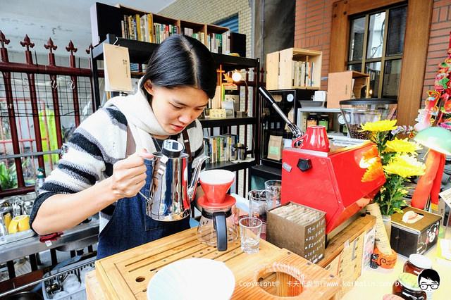 【宜蘭咖啡】閱啡|廟裡面的咖啡店碧霞宮手沖咖啡品嘗盡忠報國滋味