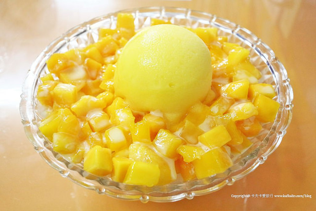 【宜蘭冰品】在地美食 冰點老店綿綿冰|芒果雙爽芋頭冰冰心雪糕+順訪罵子蛋藍帶雞排