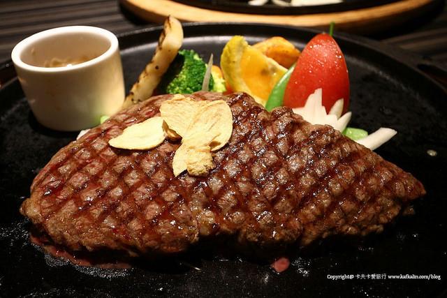 【宜蘭牛排】洋城義大利餐廳(二訪)|慢烤牛排與嫩煎雞腿奶酪與烤布雷