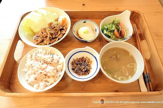 【宜蘭礁溪日式】里海 cafe' / 鮮魚日式料理、文青咖啡、簡餐套餐礁溪美食