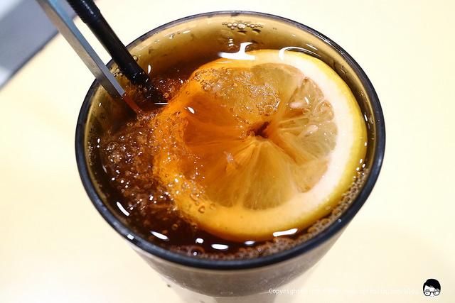 【宜蘭港式】行運茶餐廳 正宗超美味的菠蘿包豬扒包和港式茶飲點心 - kafkalin.com